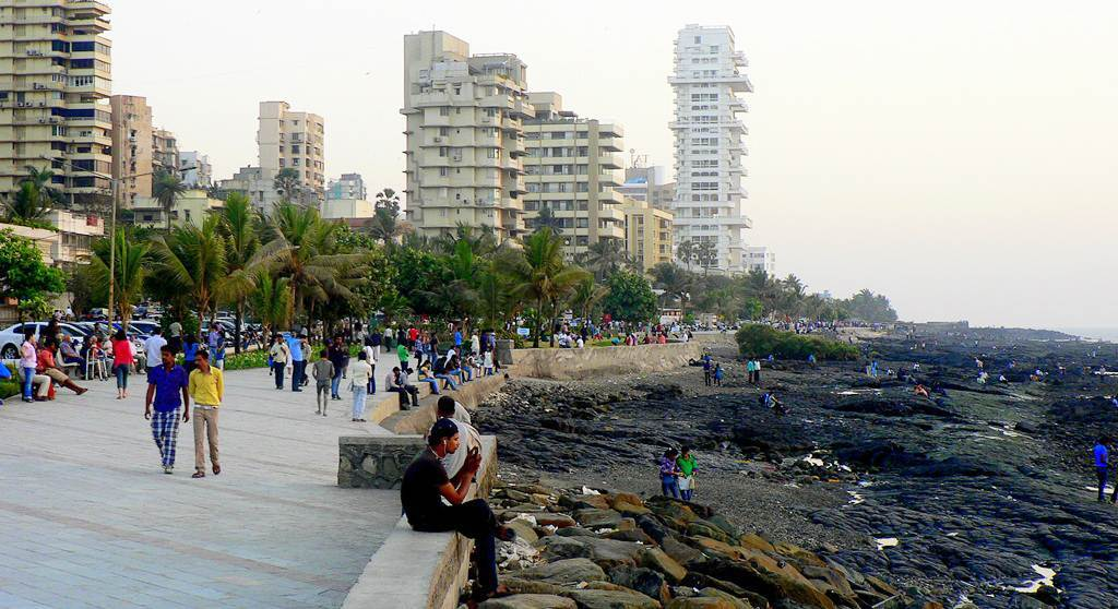 Chill at the pre-sea link promenade - Things To Do in Mumbai