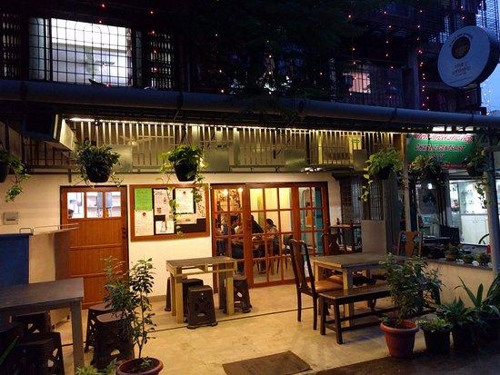 Bombay to Barca - cafes in mumbai
