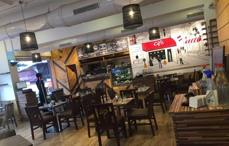 Aromas cafe - best cafes in mumbai