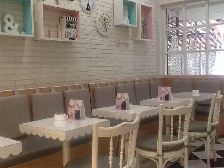 le 15 cafe - cafes in mumbai