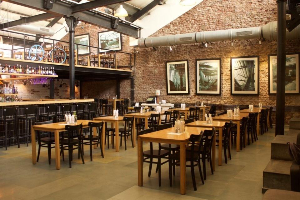 burger places mumbai Cafe Zoe
