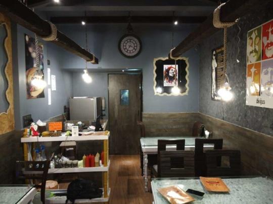 frisbees best burgers mumbai