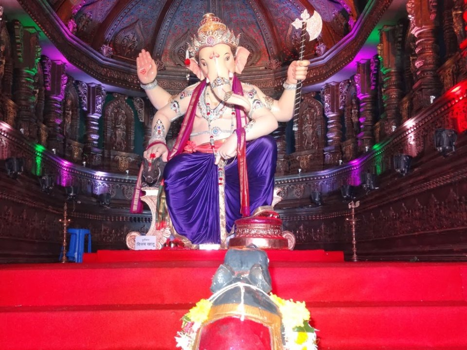 Ganesh Mandals in Mumbai : Kalachowkicha Raja