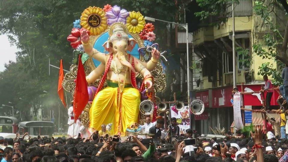 Ganesh Mandals in Mumbai : Fort Cha Raja