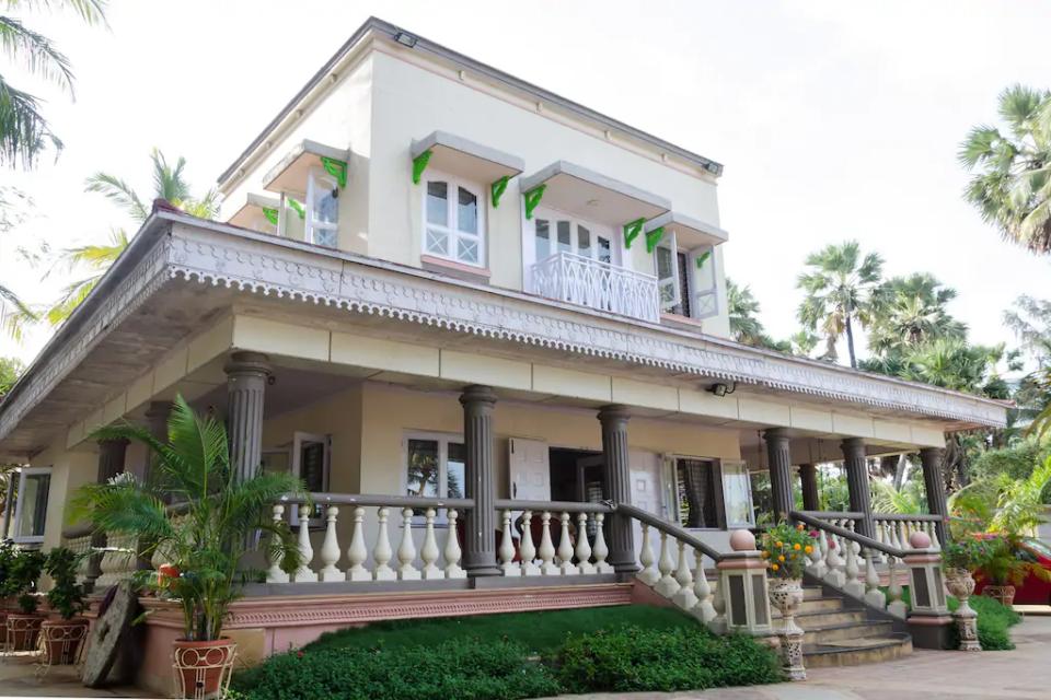 Villas in Mumbai - Sea Scape Bungalow