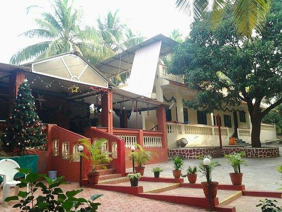 Villas in Mumbai - Palm Lands Holiday Home