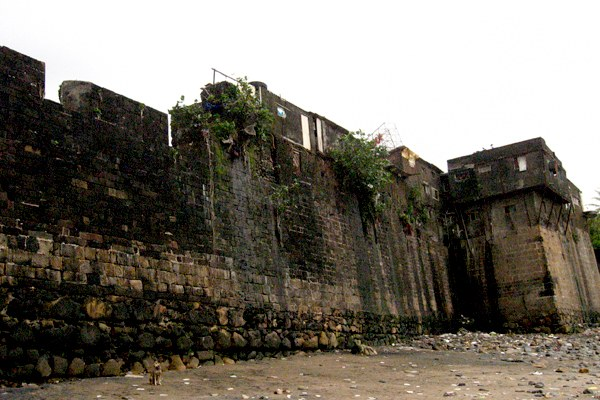 Haunted Places in Mumbai - Mahim Fort