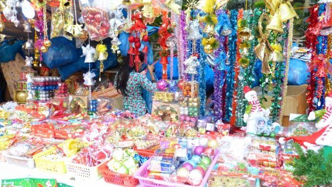 Christmas in Mumbai Abdul Rehman street