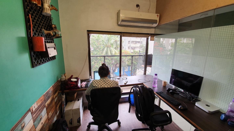 5 Seater privatye cabin for rent in Mumbai
